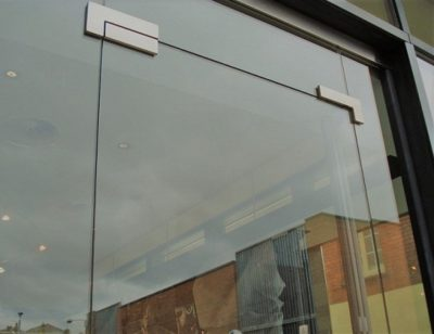 Frameless-Shop-Front-Installer-in-Bromley-Greater-London
