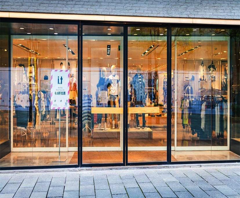 Shopfront glass replacement